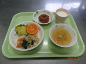 昼食のイメージ写真01